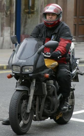 motorlu kurye kimdir, motorlu kurye kimlere denilir, motorlu kuryenin görevi
