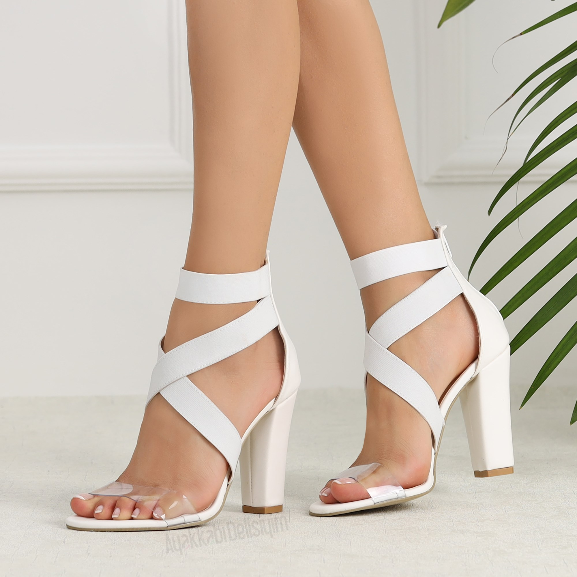 topuklu kadın ayakkabısı, kadın ayakkabı modası, ayakkabı stilleri